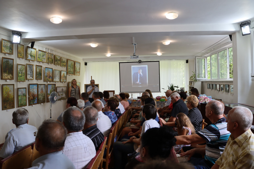 Альбом: Сьогодні в міському краєзнавчому музеї згадували нашого видатного земляка Віталія Григоровича Денисова