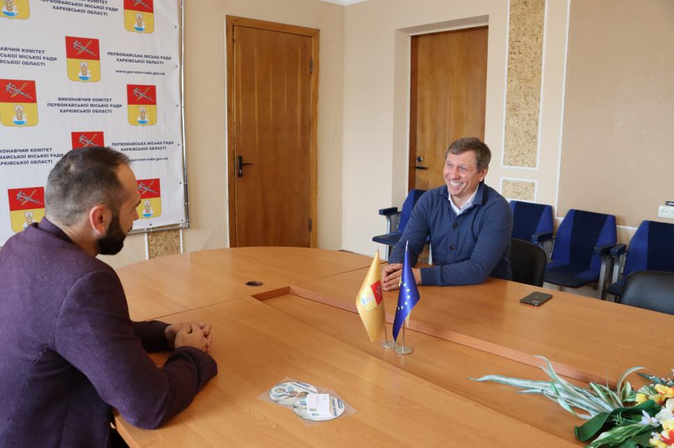 Альбом: Первомайщину відвідав народний депутат України Сергій Шахов.