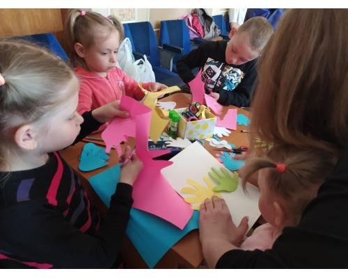 До Міжнародного Дня сім'ї у Первомайській міській рад пройшов «круглий стіл» з залученням сімей громади, які представляють різні форми виховання дітей.