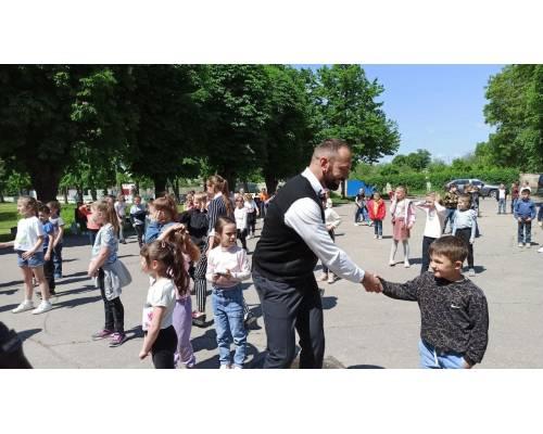Вітання Первомайського міського голови Миколи Бакшеєва до Дня захисту дітей