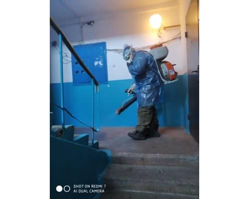 В м.Первомайський розпочато дезінфекцію ліфтів та 1 поверхів житлових будинків