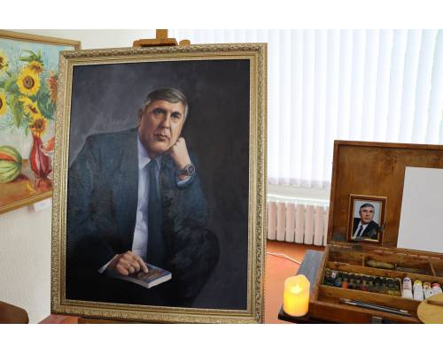 Сьогодні в міському краєзнавчому музеї згадували нашого видатного земляка Віталія Григоровича Денисова