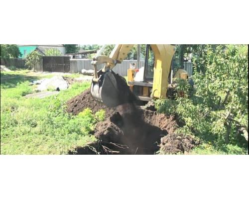 У Ржавчику триває капітальний ремонт водогону.