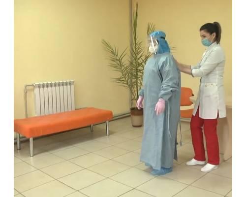 Первомайські медики отримали захисні костюми
