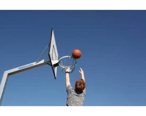 Запрошуємо мешканців міста та гостей на відкритий турнір зі стрітболу!