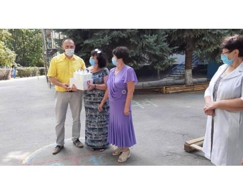 Міський голова Микола Бакшеєв особисто інспектував готовність закладів освіти міста до роботи в новому навчальному році.