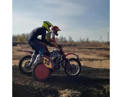 Вихідними в м.Первомайський відбувся ІІІ етап відкритого чемпіонату Харківської області з мотокросу